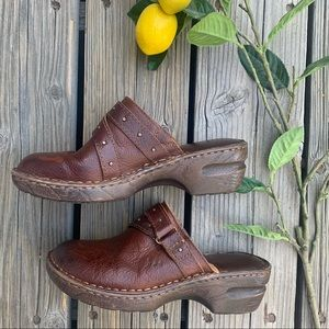 🍋 Born BOC Slip On Leather Cushioned Clog